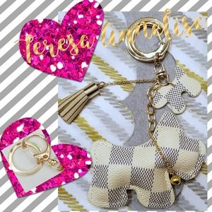 Accessories - Checkered White Leather Scotty Keychain,Bag Accent